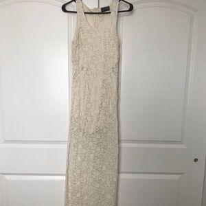 Maxi strapless lace dress